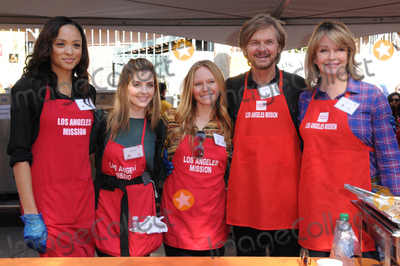 Jen Lilley Photo - 23 November 2016 - Los Angeles California Sal Stowers Jen Lilley Marci Miller Stephen Nichols Deidre Hall  Los Angeles Mission Thanksgiving Meal For The Homeless held at Los Angeles Mission Photo Credit Birdie ThompsonAdMedia