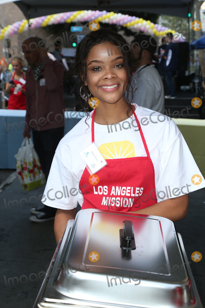 Ajiona Alexus Photo - 14 April 2017 - Los Angeles California - Ajiona Alexus Los Angeles Missions Easter Celebration For The Homeless Photo Credit AdMedia