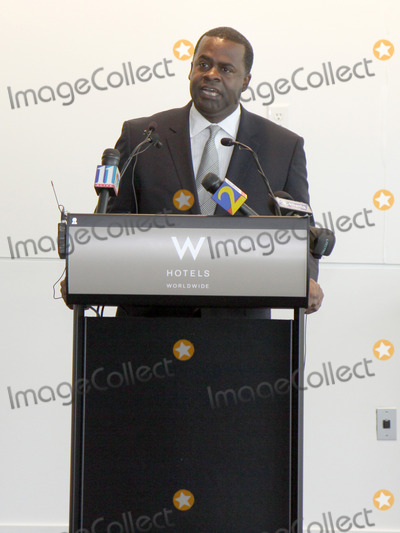Kasim Reed Photo - July 6 2011 - Atlanta GA - A press conference was held at the downtown W Hotel to announce the return of the Music Midtown Music Festival with headliners Coldplay  Atlantas Mayor Kasim Reed along with Peter Conlon of LiveNation made the announcement Photo credit Dan HarrAdMedia