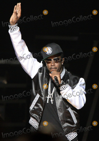 Diddy Photo - September 29 2012 - Atlanta GA - The 2012 BET Hip Hop Awards were held in Atlanta where top hip hop artists including TI Busta Rhymes Rick Ross and more performed between various awards that were handed out Photo credit Dan HarrAdMedia