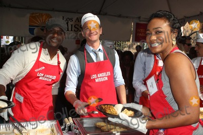 Anne Douglas Photo - 21 November 2012 - Los Angeles California - Blair Underwood Neil Patrick Harris Tatyana Ali Kirk And Anne Douglas Host 8th Annual Thanksgiving For Skid Row Homeless At Los Angele Mission Held At The Los Angeles Mission Photo Credit Kevan BrooksAdMedia