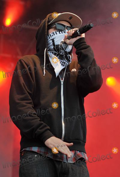 Hollywood undead we are young lyrics