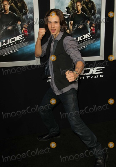 leo howard pictures and photos