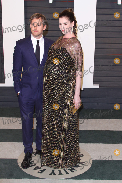 Adam Shulman Photo - 28 February 2016 - Beverly Hills California - Anne Hathaway 2016 Vanity Fair Oscar Party hosted by Graydon Carter following the 88th Academy Awards held at the Wallis Annenberg Center for the Performing Arts Photo Credit AdMedia