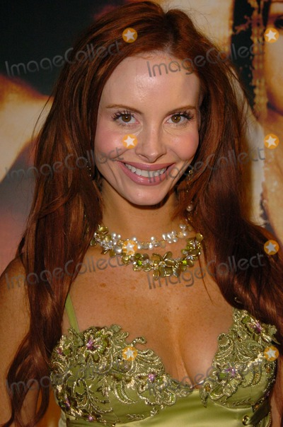 Cult Photo - Phoebe Price wears jewelry by Elisa Ilana at the wrap party for the film Cult White Lotus Hollywood CA 02-22-05