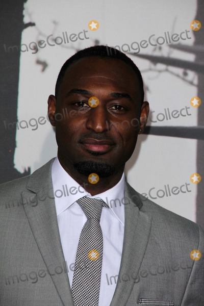Adrian Holmes Photo - Adrian Holmesat the Red Riding Hood Premiere Chinese Theater Hollywood CA 03-07-11
