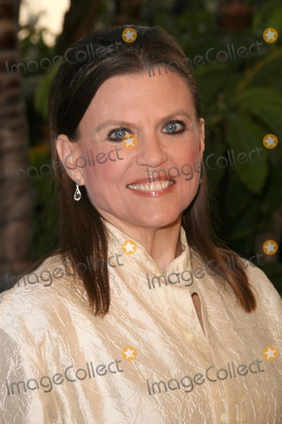 Ann Reinking Photo - Ann Reinking at Smiles from the Stars - A tribute to the Life and work of Roy Scheider Beverly Hills Hotel Beverly Hills CA 04-04-09