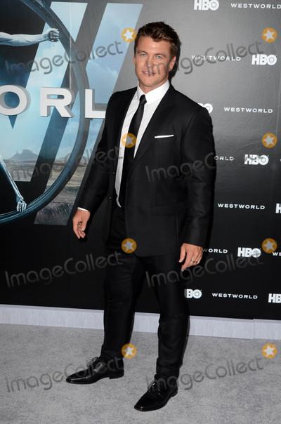 LUKE HEMSWORTH Photo - Luke Hemsworthat the HBOs Westworld Los Angeles Premiere TCL Chinese Theater Hollywood CA 09-28-16