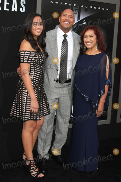 Ata Johnson Photo - Simone Alexandra Johnson Dwayne Johnson Ata Johnsonat the San Andreas Los Angeles Premiere TCL Chinese Theater Hollywood CA 05-26-15