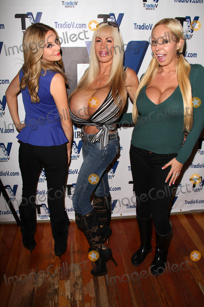 Elizabeth Starr Photo - Jessica Kinni Elizabeth Starr Mary Careyon the set of Politically Naughty with Mary Carey TradioV Studios Los Angeles CA 12-09-13
