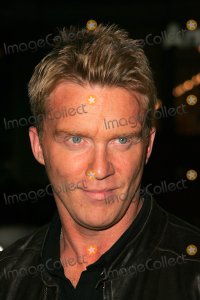 Anthony Hall Photo - Michael Anthony Hallat the premiere of Kiss Kiss Bang Bang on the opening night of the 9th Annual Hollywood Film Festival Graumans Chinese Theatre Hollywood CA 10-18-05