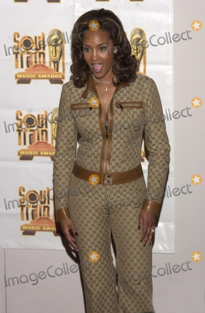 Train Photo -  Vivica A Fox at the 14th Annual Soul Train Music Awards Los Angeles 03-04-00