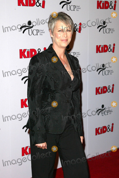 Jamie Lee Curtis Photo - Jamie Lee Curtisat the premiere of The Kid and I Graumans Chinese Theatre Hollywood CA 11-28-05