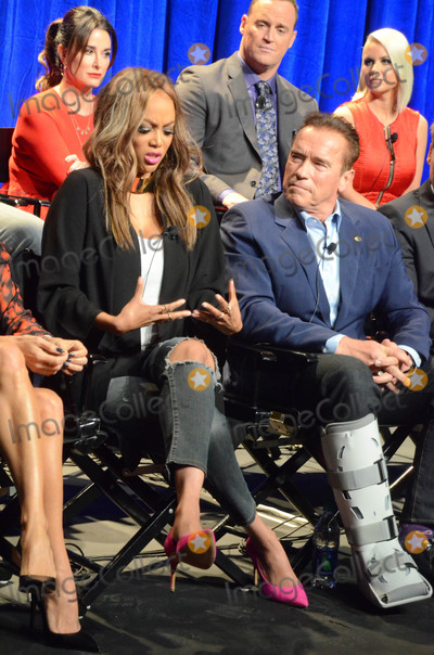 Arnold Schwarzenegger Photo - Tyra Banks Arnold Schwarzeneggerat The New Celebrity Apprentice Cast QA Universal Studios Universal City CA 12-09-16