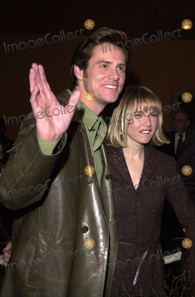 The Grinch Photo -  Jim Carrey and Renee Zellweger at the premiere of Universals Dr Seuss How The Grinch Stole Christmas at Universal Studios 11-08-00