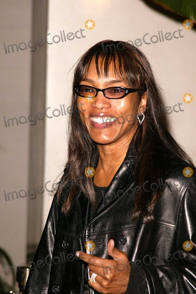 Tupac Photo - Angela Bassett at the premiere of Paramount Pictures Tupac Resurrection at the ArcLight Theaters Hollywood CA 11-04-03