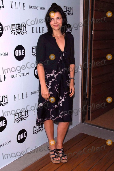 Edun Photo - Ali Hewsonat the EdunOnes VIP Luncheon to launch the second limited edition Edun designed One tee benefiting the ALAFA Fund Project7ten Venice Beach CA 10-16-07