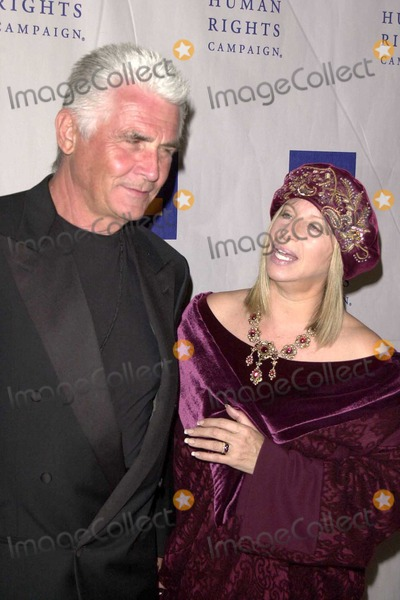 James Brolin Photo - James Brolin and Barbra Streisand at the Human Rights Campaign Annual Gala in the Century Plaza Hotel Century City CA 03-06-04