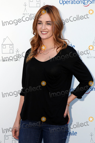 Ambyr Childers Photo - Ambyr ChildersAmbyr Childersat the Petit Maison Chic and Operation Smile Fashion Show Private Location Beverly Hills CA 11-21-15