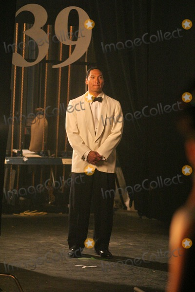 Jason Scott Lee Photo - Jason Scott Lee on the set of the new film Only The Brave in Los Angeles Private Location 05-18-04
