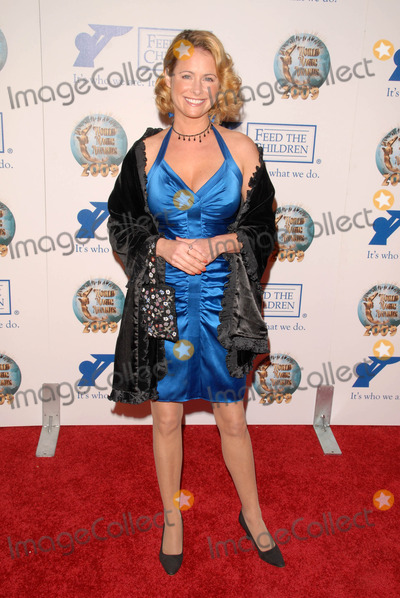 Amy Dolenz Photo - Amy Dolenzat the 2009 World Magic Awards benefitting Feed The Children Barker Hanger Santa Monica CA 10-10-09