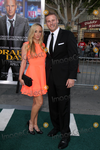 Aaron Hill Photo - Aaron Hillat the Draft Day Premiere Bruin Theatre Westwood CA 04-07-14