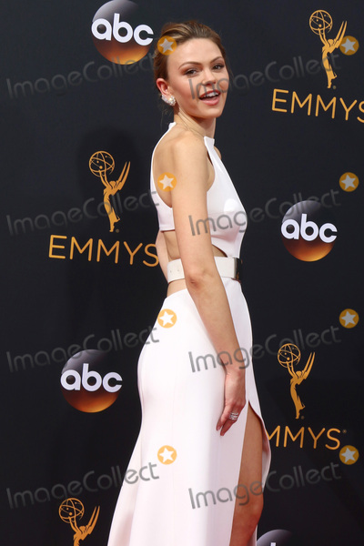Aimee Teegarden Photo - LOS ANGELES - SEP 18  Aimee Teegarden at the 2016 Primetime Emmy Awards - Arrivals at the Microsoft Theater on September 18 2016 in Los Angeles CA