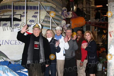 Lauren Tewes Photo - LOS ANGELES - DEC 30  Gavin MacLeod Lauren Tewes Bernie Kopell Fred Grandy Ted Lange Jill Whelan at the Original Love Boat Cast decorates Princess Cruises Rose Parade Float at a Rosemont Pavilion on December 30 2014 in Pasadena CA