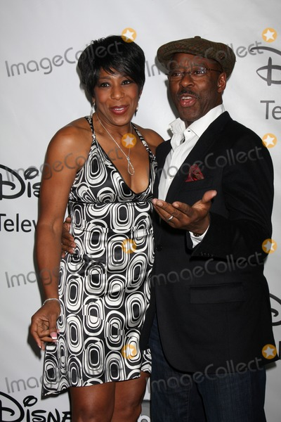 Courtney B Vance Photo - LOS ANGELES - JAN 10  Dawnn Lewis Courtney B Vance arrives at the ABC TCA Party Winter 2012 at Langham Huntington Hotel on January 10 2012 in Pasadena CA