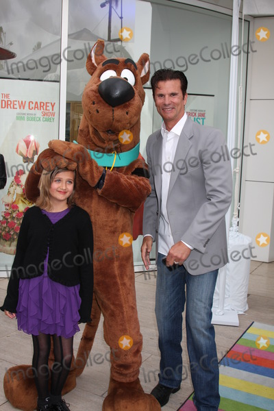 Scooby Doo Photo - LOS ANGELES - APR 12  Isabella Lamas Scooby-Doo Lorenzo Lamas arrives at Warner Brothers Television Out of the Box Exhibit Launch at Paley Center for Media on April 12 2012 in Beverly Hills CA
