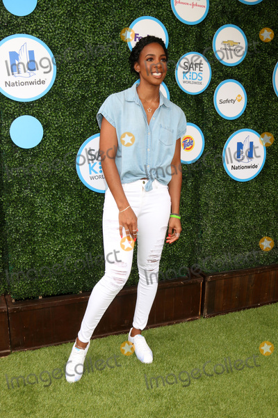 Kelly Rowland Photo - LOS ANGELES - APR 24  Kelly Rowland at the Safe Kids Day at the Smashbox Studios on April 24 2016 in Culver City CA