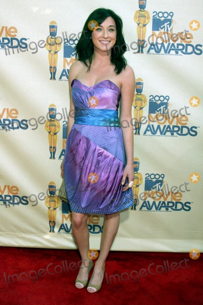 Margo Harshman Photo - Margo Harshman arriving at the 2009 MTV Movie Awards in Universal City CA  on May 31 2009