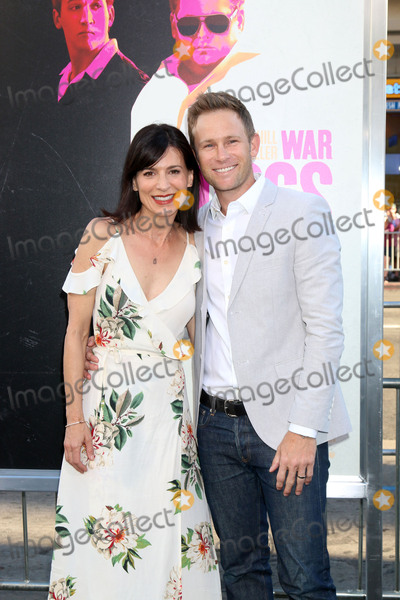 Aaron Fox Photo - LOS ANGELES - AUG 15  Perrey Reeves Aaron Fox at the War Dogs Premiere at the TCL Chinese Theater IMAX on August 15 2016 in Los Angeles CA