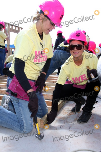 Ari Zucker Photo - Ari Zucker  Nadia Bjorlinat the Habitat For Humanity San FernandoSanta Clarita  Valleys Women Empowerment Building Site - TV  Soap StarsHabitat for Humanity build site 12600 Carl StPacoima CAMay 23 2010