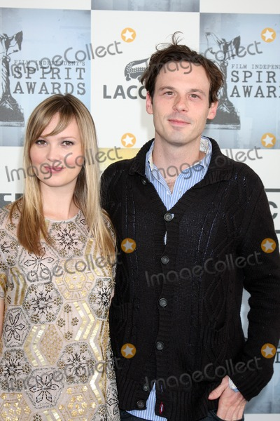 Sara Simmonds Photo - Sara Simmonds  Scoot McNairy  arriving at the  Film Indpendents  24th Annual Spirit Awards on the beach in Santa Monica CA  onFebruary 21 2009