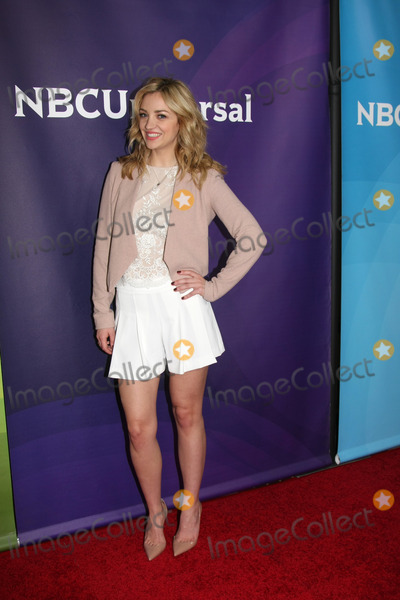 ABBY ELLIOT Photo - LOS ANGELES - JAN 15  Abby Elliot at the NBCUniversal Cable TCA Winter 2015 at a The Langham Huntington Hotel on January 15 2015 in Pasadena CA