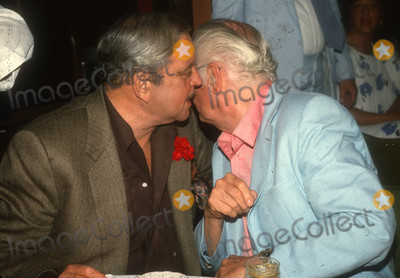 Jackie Gleason Photo - Jackie Gleason Art Carney7615JPG1985 FILE PHOTONew York NYJackie Gleason Art CarneyPhoto by Adam ScullPHOTOlinknetONE TIME REPRODUCTION RIGHTS ONLY813-995-8612 - eMail ADAMcopyrightPHOTOLINKNET
