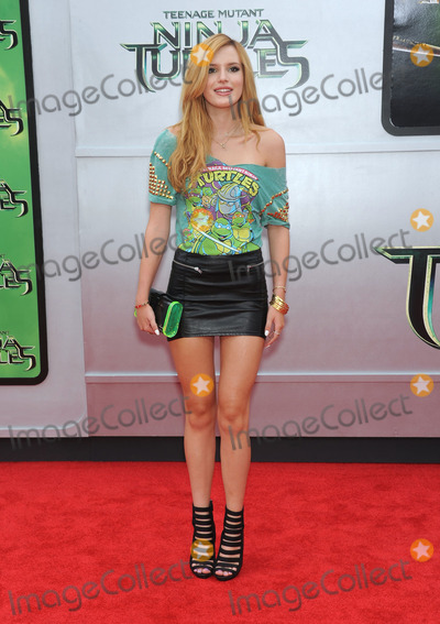 Bella Thorne Photo - Photo by KGC-11starmaxinccomSTAR MAX2014ALL RIGHTS RESERVEDTelephoneFax (212) 995-11968314Bella Thorne at the premiere of Teenage Mutant Ninja Turtles(Westwood CA)