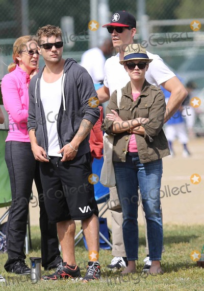 Ryan Phillippe Photo - Photo by VPFPCstarmaxinccom2013ALL RIGHTS RESERVEDTelephoneFax (212) 995-119651813Ryan Phillippe Jim Toth and Reese Witherspoon out and about(Los Angeles CA)