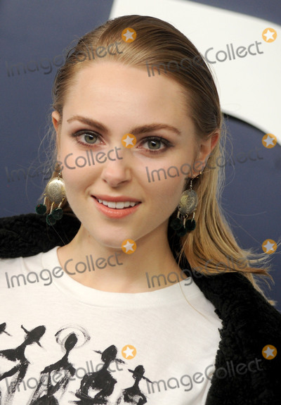 Anna Sophia Robb Photo - Photo by Dennis Van TinestarmaxinccomSTAR MAXCopyright 2017ALL RIGHTS RESERVEDTelephoneFax (212) 995-11962217AnnaSophia Robb at the premiere of the sixth and final season of Girls(NYC)