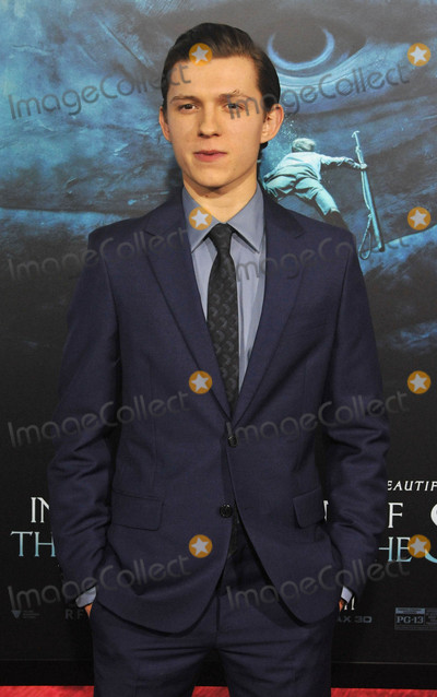 Tom Holland Photo - Photo by Patricia SchleinstarmaxinccomSTAR MAX2015ALL RIGHTS RESERVEDTelephoneFax (212) 995-119612715Tom Holland at the premiere of The Heart of The Sea(NYC)