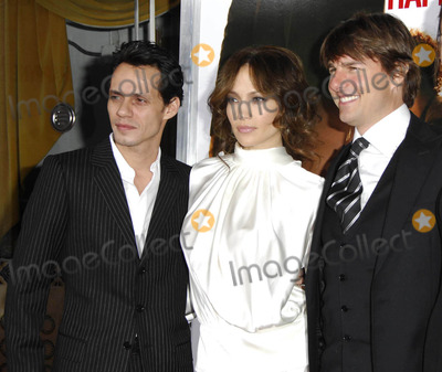 Jennifer Lopez Photo - Photo by Michael Germanastarmaxinccom200612706Tom Cruise Jennifer Lopez and Marc Anthony at the premiere of The Pursuit of Happyness(Westwood CA)