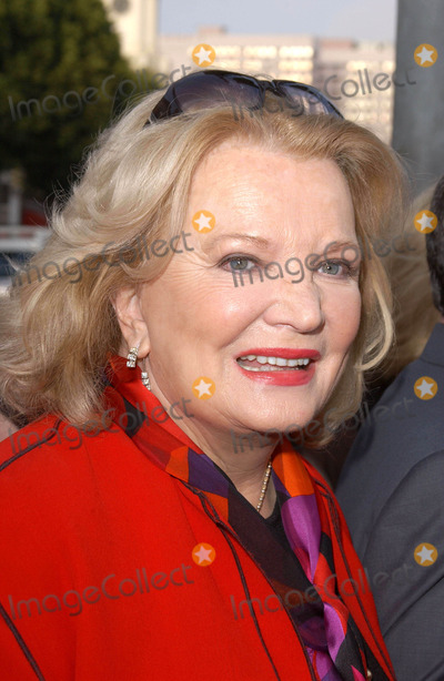 Gena Rowlands Photo - Photo by Lee Rothstarmaxinccom200462104Gena Rowlands at the world premiere of The Notebook(Westwood CA)