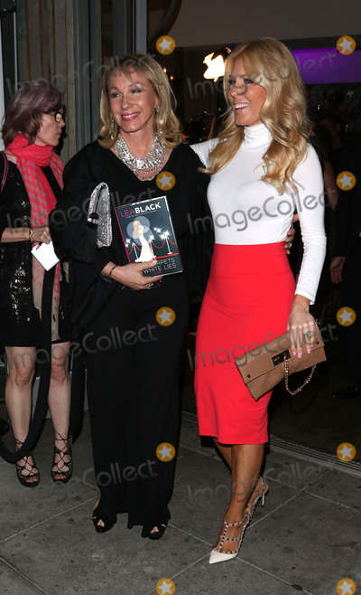 Gretchen Rossi Photo - Photo by JMAstarmaxinccomSTAR MAX2015ALL RIGHTS RESERVEDTelephoneFax (212) 995-11966415Lea Black and Gretchen Rossi are seen in Los Angeles CA