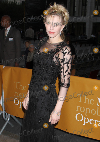 Courtney Love Photo - Photo by KGstarmaxinccomSTAR MAX2012ALL RIGHTS RESERVEDTelephoneFax (212) 995-119692412Courtney Love at the Met Opera Opening(NYC)US syndication only