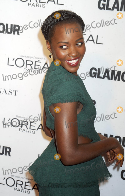 Lupita Nyongo Photo - Photo by DVTstarmaxinccomSTAR MAXCopyright 2015ALL RIGHTS RESERVEDTelephoneFax (212) 995-119611915Lupita Nyongo at the Glamour Women of the Year Awards(NYC)