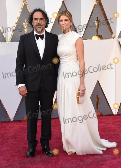 Alejandro Gonzalez Inarritu Photo - Photo by KGC-11starmaxinccomSTAR MAXCopyright 2016ALL RIGHTS RESERVEDTelephoneFax (212) 995-119622816Alejandro Gonzalez Inarritu at the 88th Annual Academy Awards (Oscars)(Hollywood CA USA)