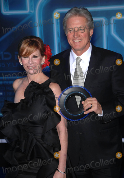 Melissa Gilbert Photo - Photo by Michael Germanastarmaxinccom2010121110Melissa Gilbert and Bruce Boxleitner at the premiere of Tron Legacy(Hollywood CA)