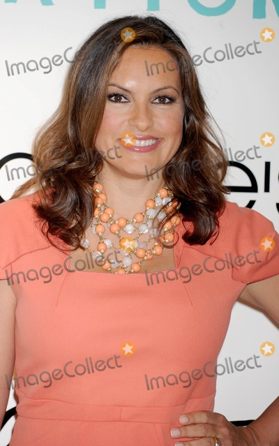 Mariska Hargitay Photo - Photo by Dennis Van Tinestarmaxinccom2012starmaxinccomALL RIGHTS RESERVEDTelephoneFax (212) 995-119652312Mariska Hargitay makes a promotional appearance at Bloomingdales(NYC)