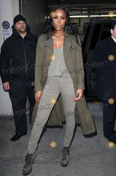 Kelly Rowland Photo - Photo by KGC-146starmaxinccomSTAR MAXCopyright 2016ALL RIGHTS RESERVEDTelephoneFax (212) 995-11964516Kelly Rowland is seen at AOL Build in New York City(NYC)